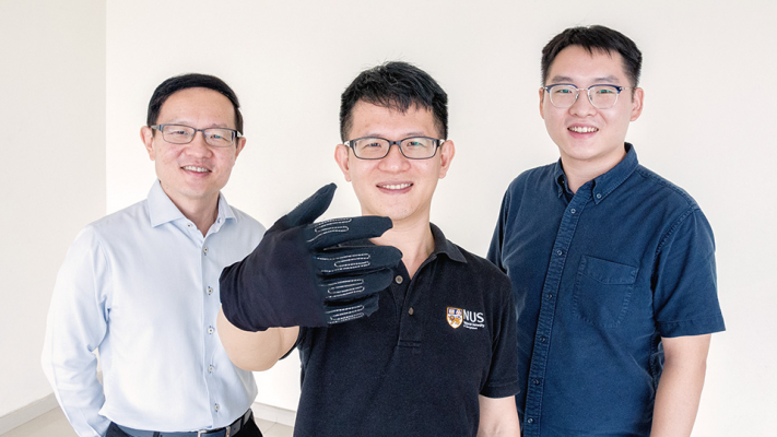 New smart gaming glove allows users to mimic in-game controls with hand gestures